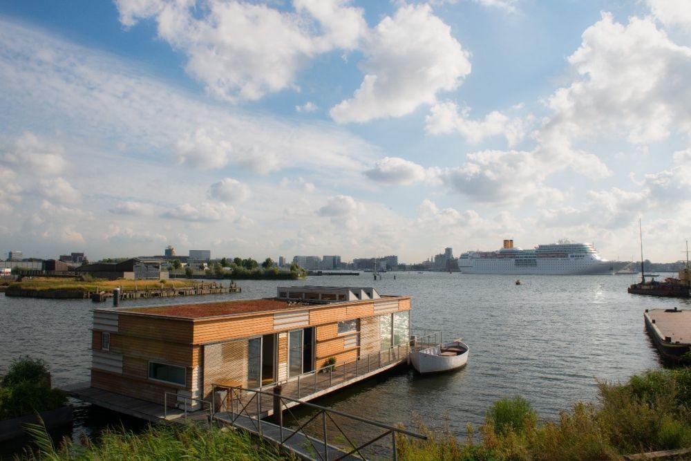 Locatie met meerwaarde geWoonboot in Amsterdam