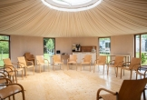 Kringopstelling in de yurt van het art centre delft locatie met meerwaarde