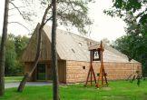Mennorode locatie met meerwaarde spiritueel architectuur groen