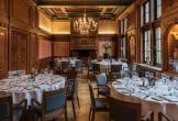 Diner in raadzaal van het koninklijk instituut van de tropen in amsterdam locatie met meerwaarde voor cultuur