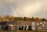 Ieders plak in west terschelling regenboog
