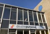 Logo en naambord van vergaderruimte double purpose in nieuwerkerk aan de ijssel