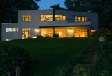 Villa van vergaderen voor tanzania in het gooi bij avond